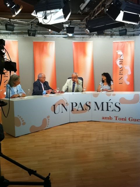 Un pas mes, de 25TV, Roser Amills con Toni Guerrero
