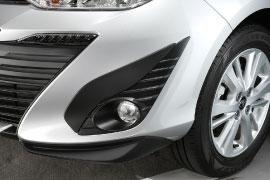 Embellecedor de Faro antiniebla Toyota Yaris