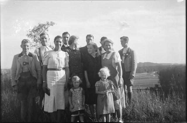 Familienausflug viele Personen - 1930-1950