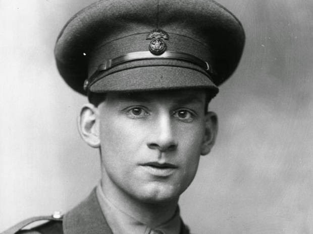 officer in WWI uniform