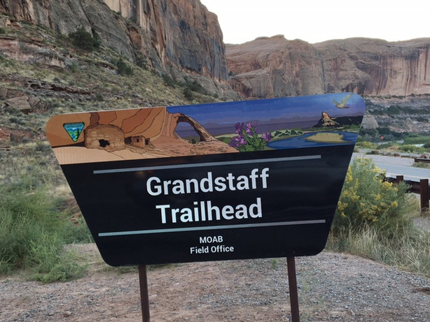 Hiking Negro Bill (Grandstaff) Canyon, Moab