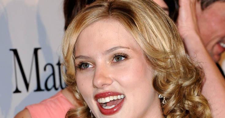 World Celebrity Image: Bra Size Of Scarlett Johansson