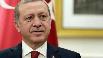 Ερντογάν: Αν ανοίξουμε τις πύλες δεν θα βρίσκετε τρύπα να κρυφτείτε!
