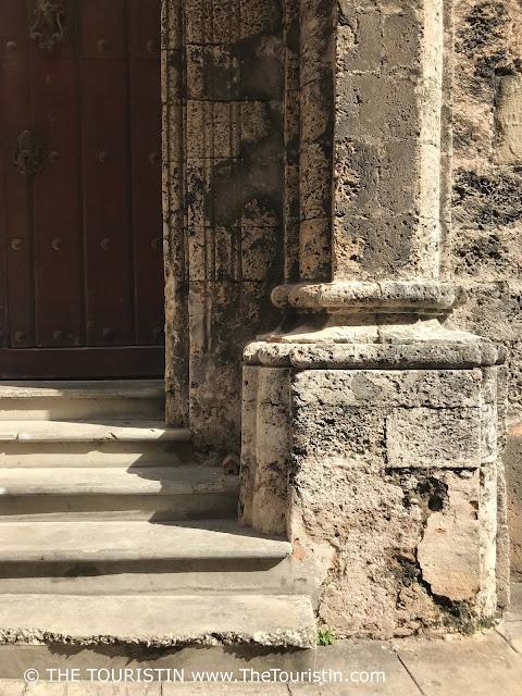 Catedral de la Habana Cuba Vieja The Touristin Side Entrance