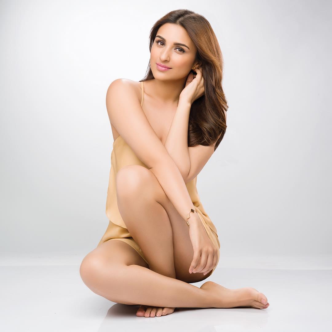 Parineeti Chopra Sexy Photo | Parineeti Chopra Bikini