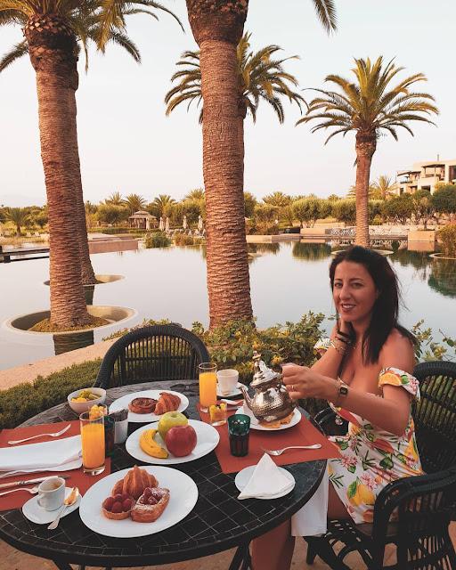 Marrakech, resort Fairmont Royal Palm. Alessia Siena a colazione