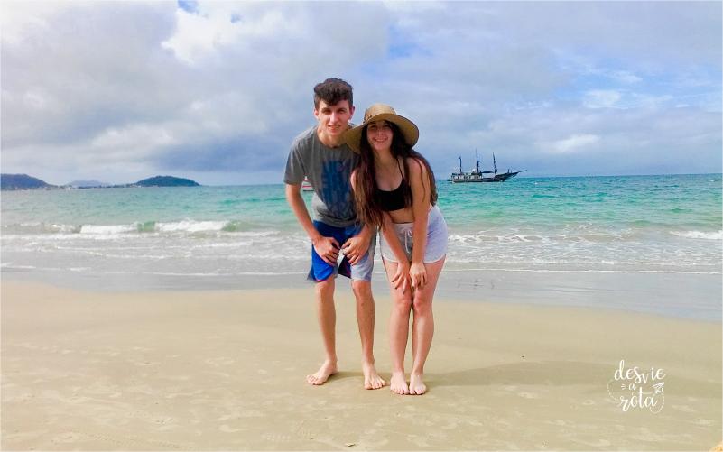 Casal na Praia de Canasvieiras