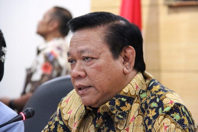KPK Periksa Agung Laksono Terkait Kasus Fredrich Yunadi