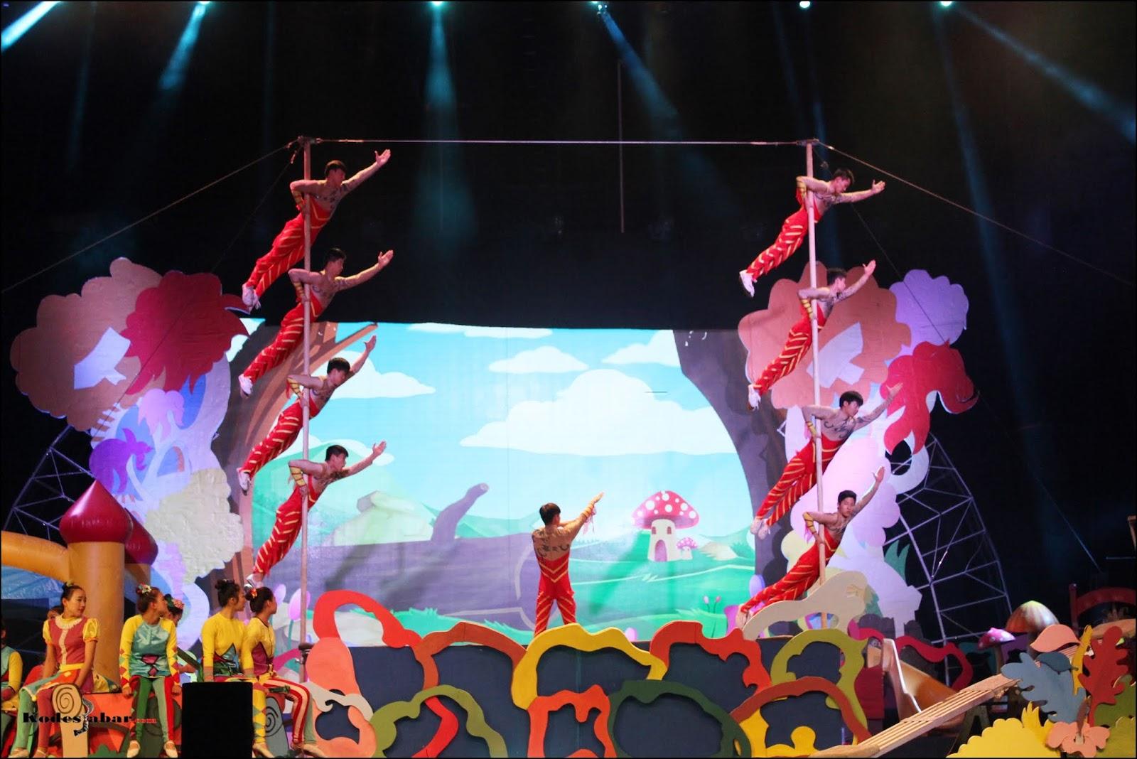 Atraksi Dream Land Sirkus Internasional Yang Menegangkan di Trans Studio Bandung