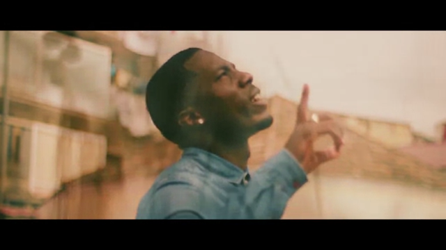 """""""Deus Sabe"""" é o novo clipe do rapper angolano Rame-C"""