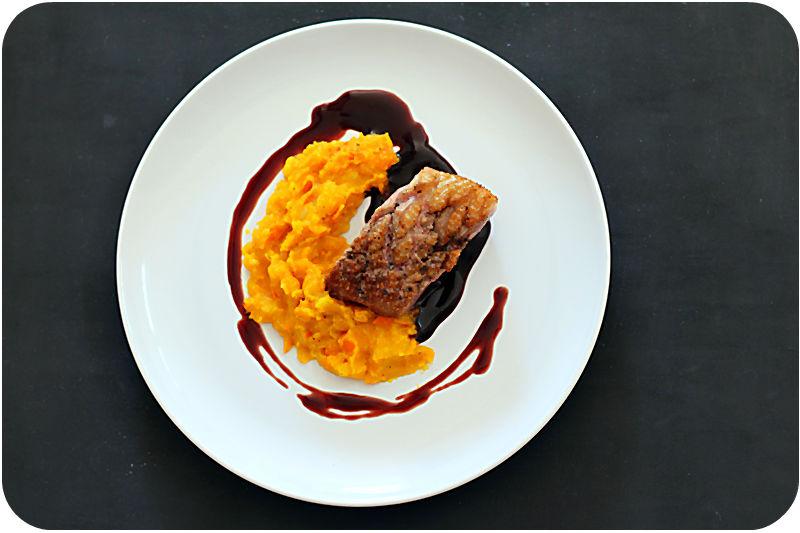 Glasierte Entenbrust, Hokkaido-Kartoffelstampf en papillote, Portweinjus | Arthurs Tochter Kocht von Astrid Paul