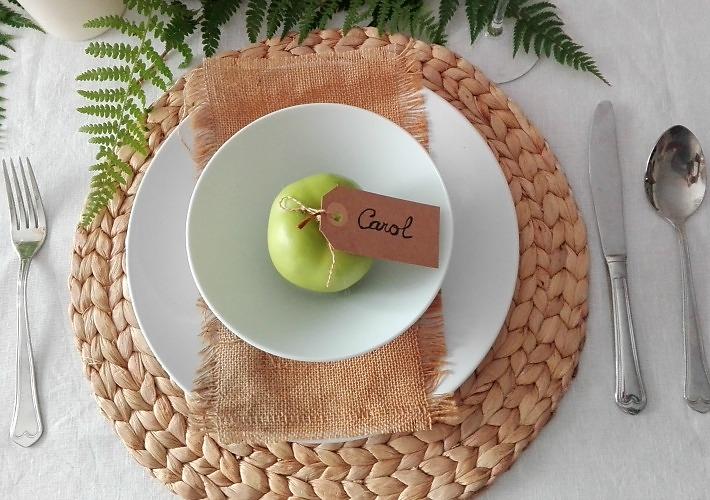 marcadores de sitio con manzanas