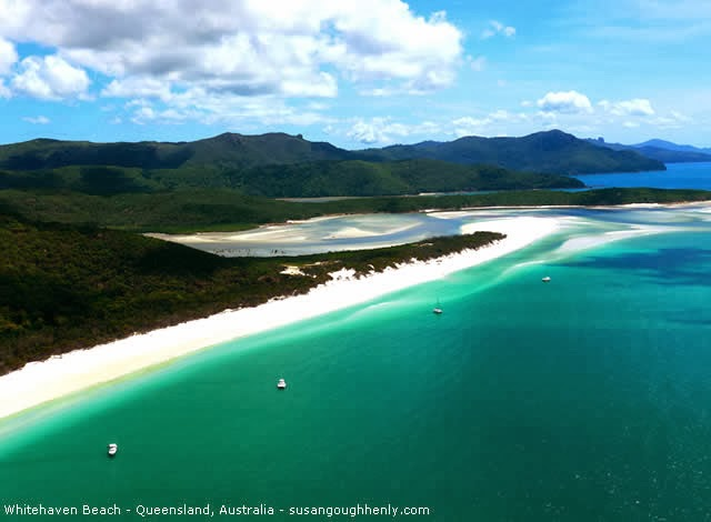 WHITEHAVEN BEACH - WHITSUNDAY ISLANDS, QUEENSLAND, AUSTRALIA