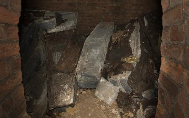 Builders find remains of 'lost' archbishops of Canterbury in London crypt