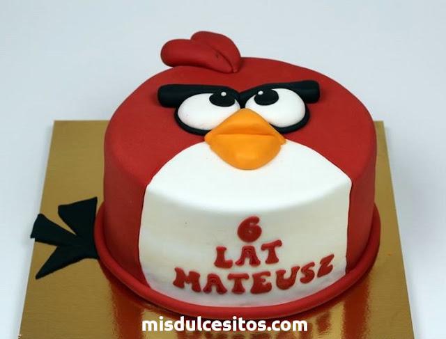 Tortas de Angry Birds. Venta de tortas temáticas infantiles en Lima. Tortas decordas con masa elástica y fondant