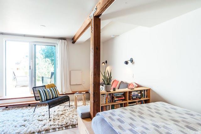 Cómo reformar un garaje para convertirlo en hogar, salón