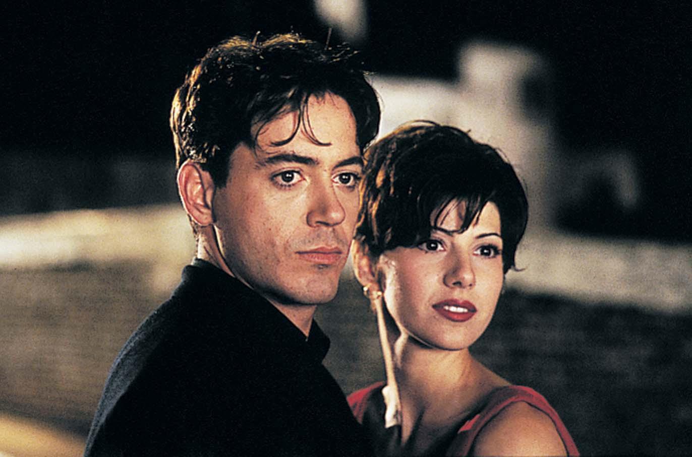 fakat unik Pacar Asli dari Iron Man - Robert Downey Jr yang terkenal sebagai pemeran Iron Man pernah menjalin kasih dengan Marisa Tomei