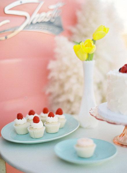 pastalar, kekler, kremalı köpüklü yiyecekler