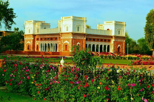 Darbar Mahal, Farukh manzil, Bahawalpur