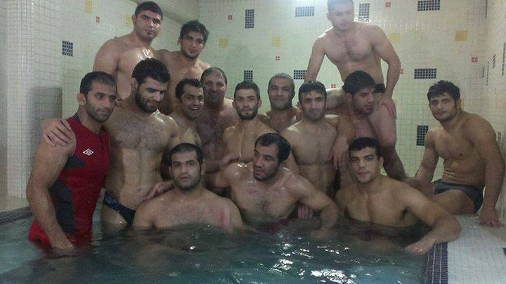 Khabib relaxing in jacuzzi with friends (pic) : Page 3