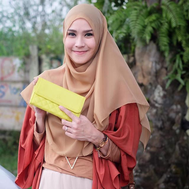 Kecantikan 10 Artis Indonesia Ketika Berhijab