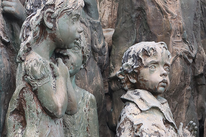 Haunting Sculpture Honors 82 Kids That Were Handed Over To The Nazis And Murdered