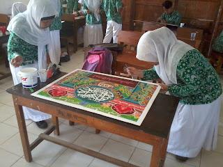 Manfaat Pameran Seni Rupa Kelas atau Madrasah / Sekolah Bagi Siswa
