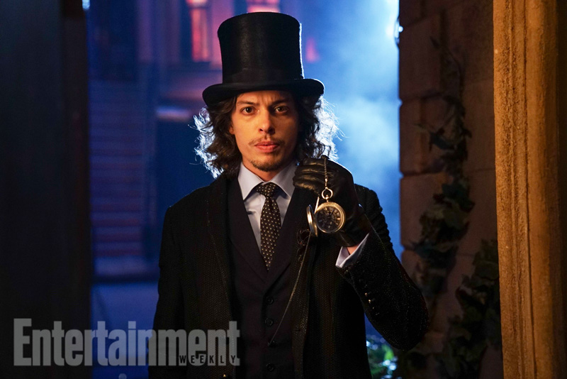 Gotham - Season 3 - First Look at The Mad Hatter