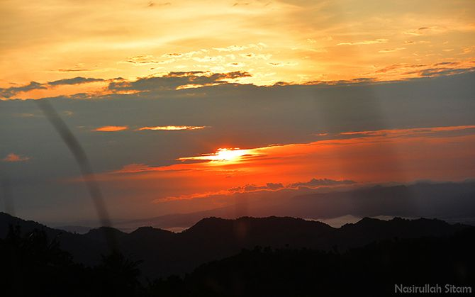 Semburat mentari kala pagi di Gunung Bantal Nglanggeran