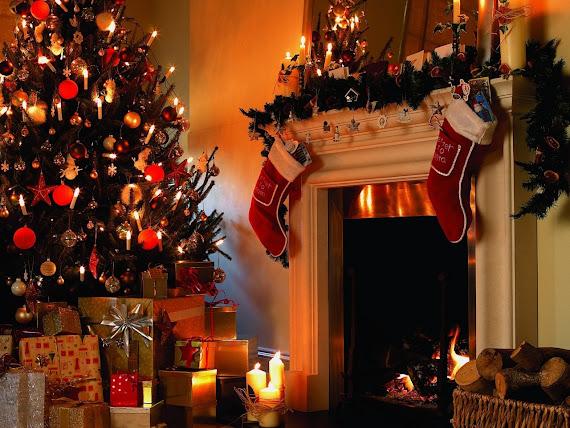 download besplatne pozadine za desktop 1280x960 slike ecard čestitke Merry Christmas Sretan Božić jelka kamin svjećice za bor pokloni