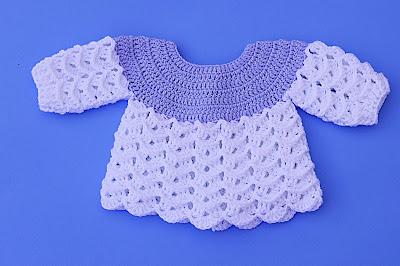 Imagen Chambrita azul y blanca a crochet y ganchillo por Majovel crochet 2