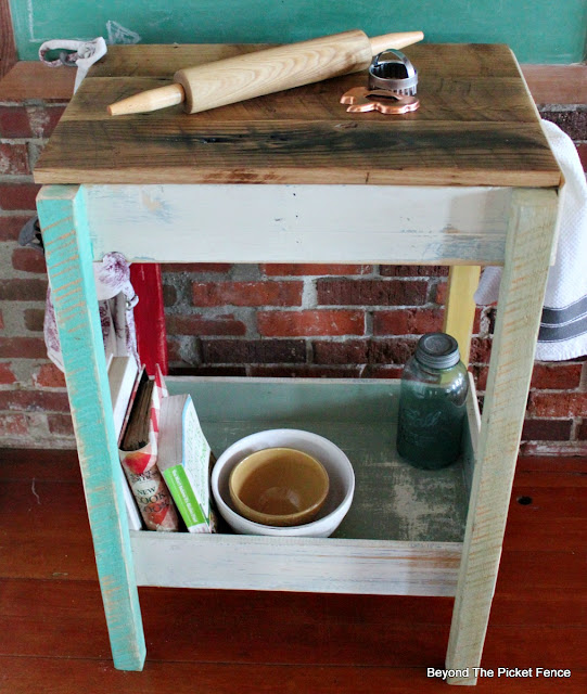 Old drawers, repurposed drawer, kitchen island, work station, bar, http://bec4-beyondthepicketfence.blogspot.com/2016/02/old-drawer-work-station.html