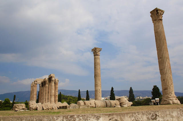 athens sightseeing archaeologist travel temple olympian zeus