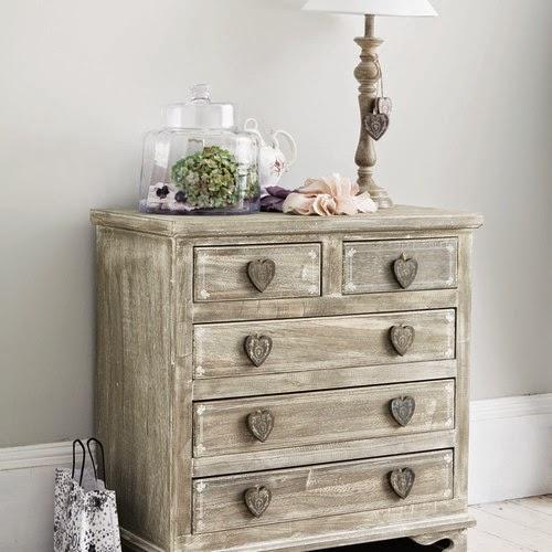 dolce hogar como decorar comodas. Black Bedroom Furniture Sets. Home Design Ideas