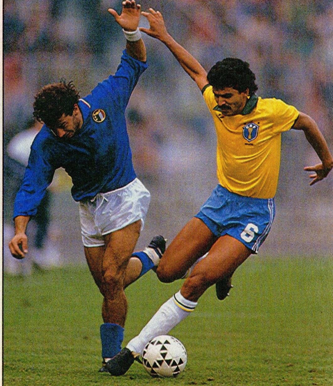 31ed4fed876 Photo From: Guerin Sportivo, October 18-24, 1989. (Gianluca Vialli and  Ricardo Rocha)