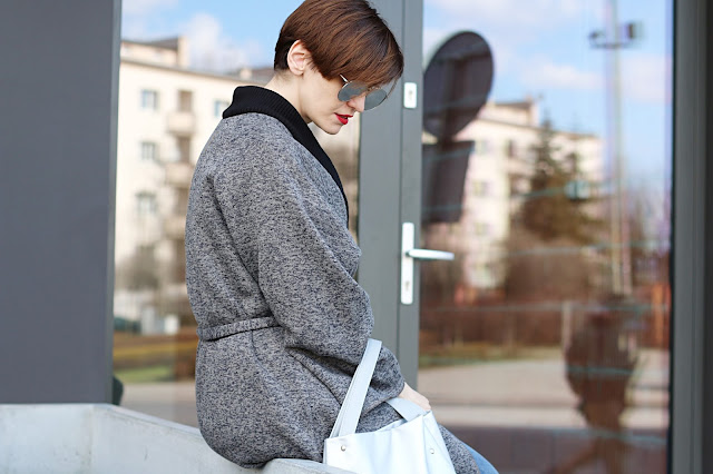 płaszcz, wiosenny plaszcz, jak nosić, szlafrokowy płaszcz, jak nosić szlafrokowy płaszcz, maxi płaszcz, codzienna stylizacja, casual, stylistka poznań, porady stylity, styl, stylowe, blogerka, po 30 tce, stylizacje, na co dzień, stylistka radzi,