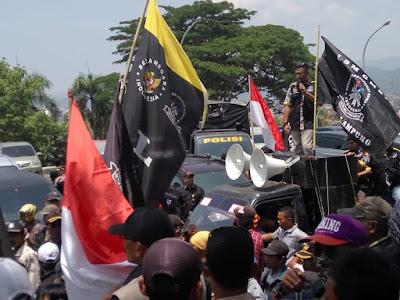GMBI Wilter Lampung Tuntut Polda Bebaskan Kepala Pekon Banjar Rejo dan Warga Pemenang