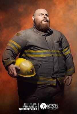 Bombero con obesidad