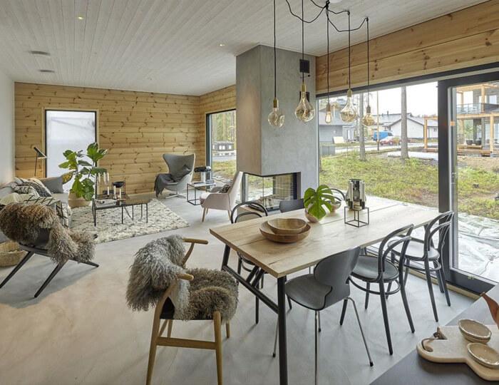 Vista dell'interno di una casa realizzata con materiali ecosostenibili come il legno