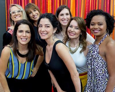 Natália Leite e Ana Paula Padrão posam com as SuperAliadas (da esquerda para a direita) - Divulgação/Band