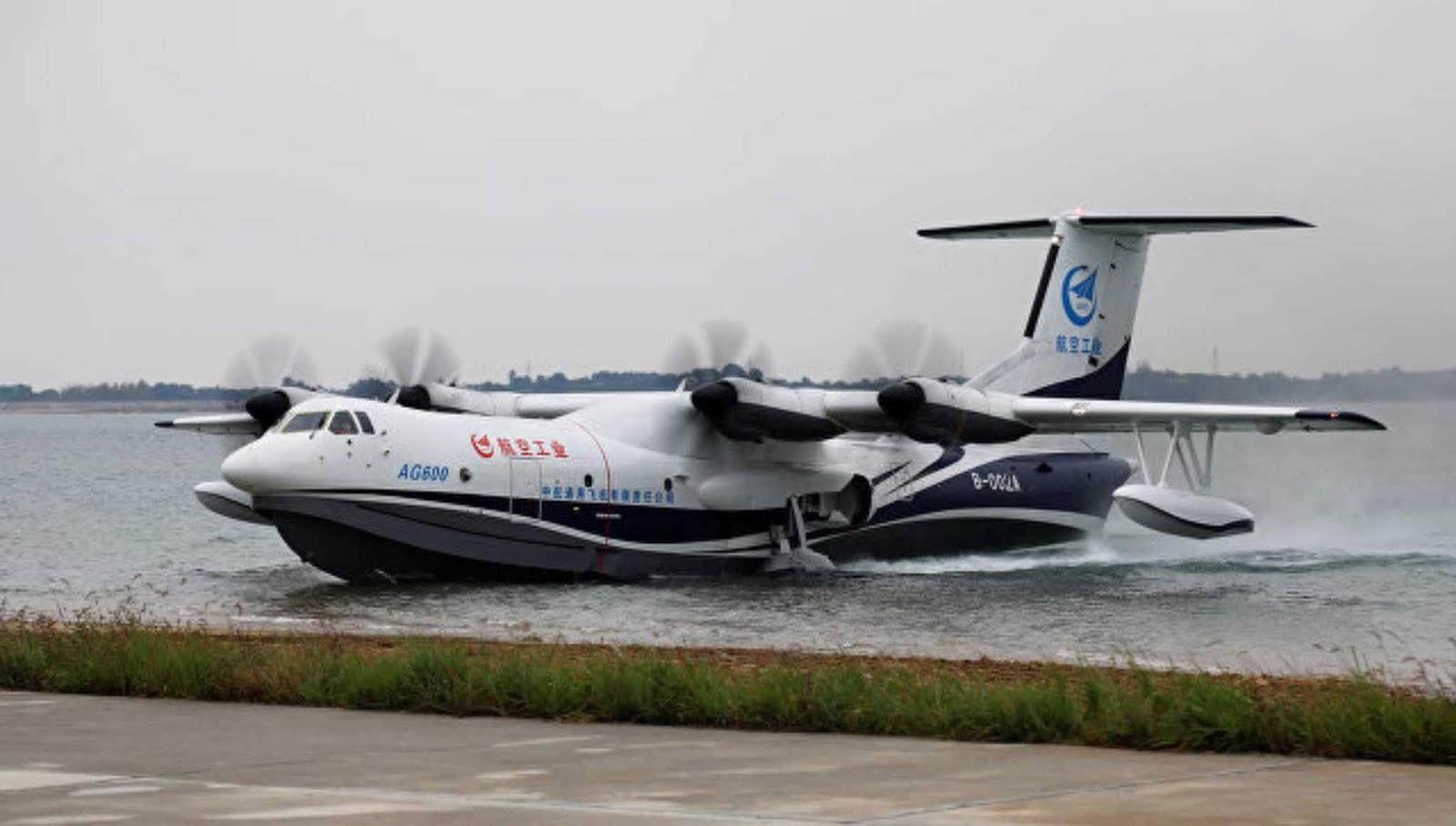 Pesawat Amfibi terbesar di dunia milik Cina melakukan lepas landas pertama dari air