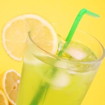 Manfaat dan Khasiat Teh Hijau plus Lemon untuk Diet Menurunkan Berat Badan