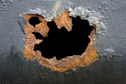 Leaching dye leaks aluminum penetrate