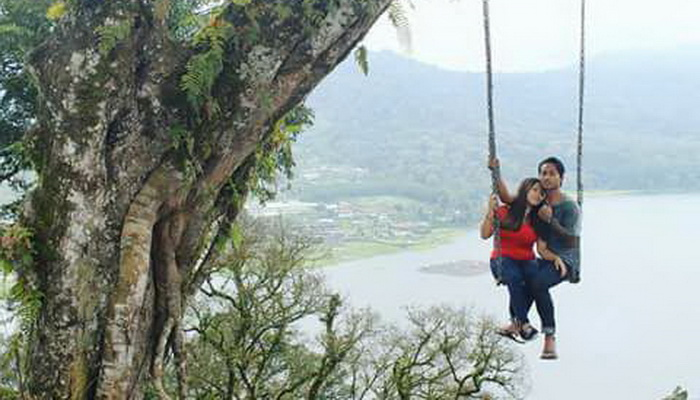 Pesona Wisata Foto Selfie Di Hutan Wanagiri Buleleng