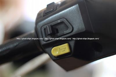 Posisi tombol klakson dan lampu sen pada Honda Beat edisi sebelumnya