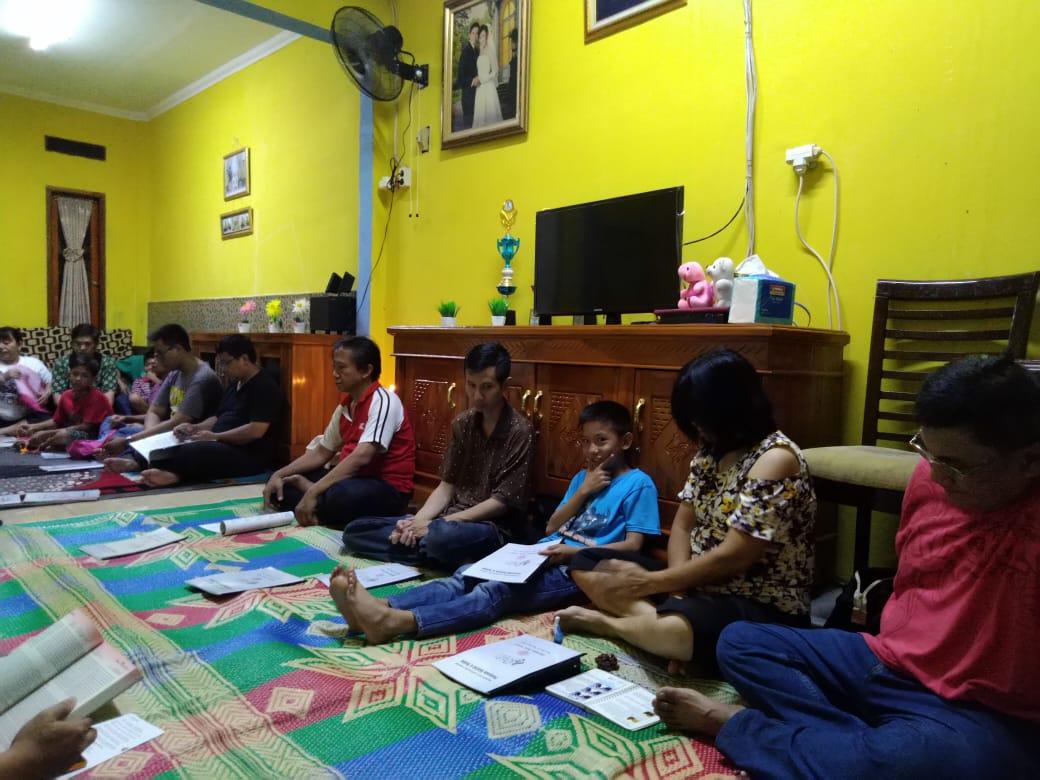 Acara Ibadat Doa Rosario 2 Lingkungan Santo Petrus 4