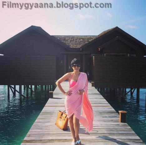 mandira bedi hot pink bikini saree image