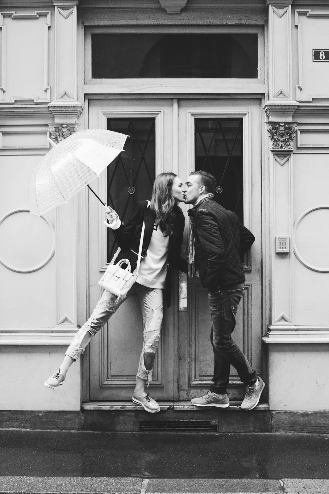 paris black white couple photoshoot