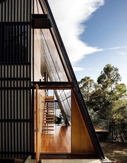 rumah minimalis unik ukuran kecil atap miring