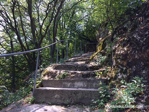 Escaleras fortaleza Ovech